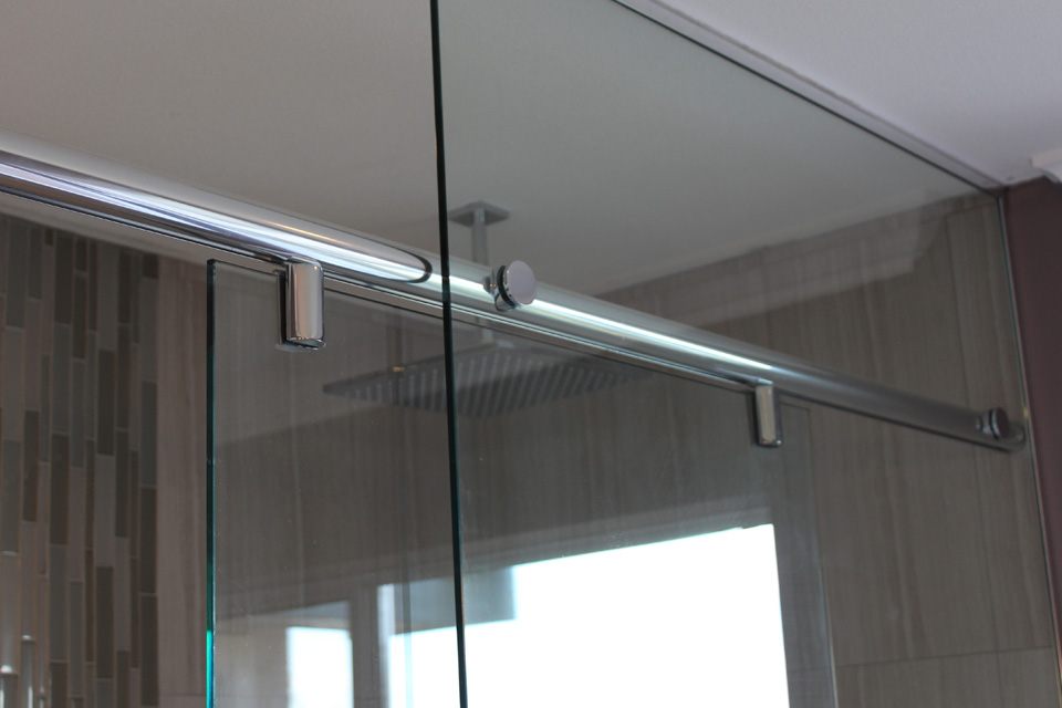 Custom glass shower door company in chicago area for Door window company